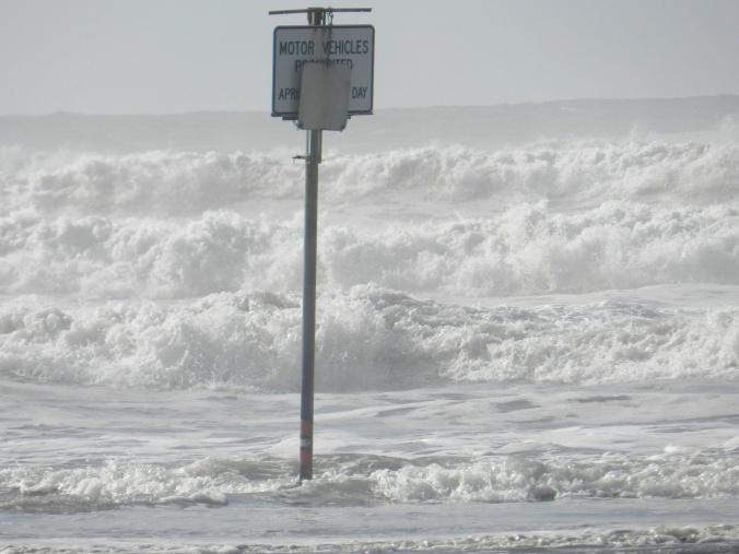 warning waves